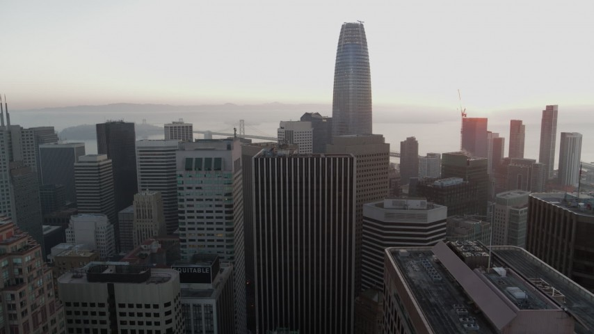 5.7K stock footage aerial video of descend near skyscrapers with view of Salesforce Tower in Downtown San Francisco, California Aerial Stock Footage | PP0002_000063