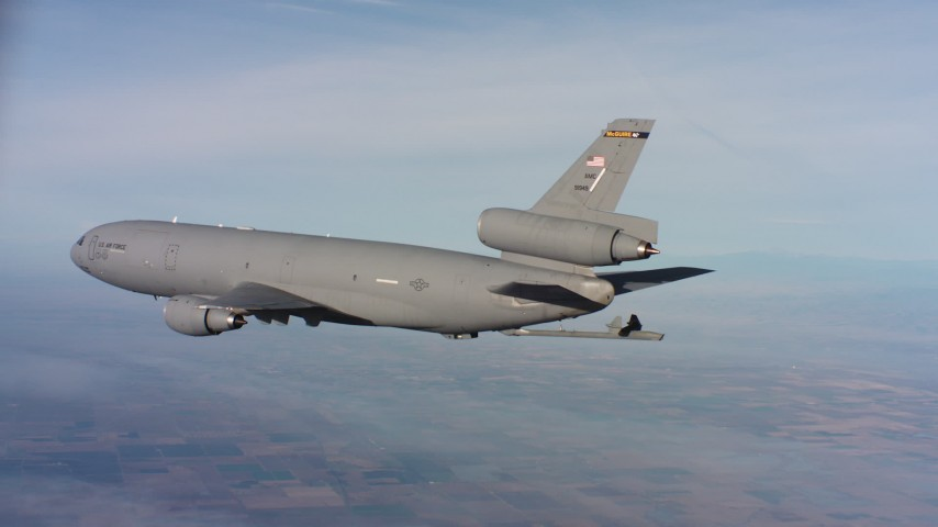 4K aerial video of a McDonnell Douglas KC-10 lowering the refuel boom in Northern California Aerial Stock Footage | WAAF03_C020_0118MJ
