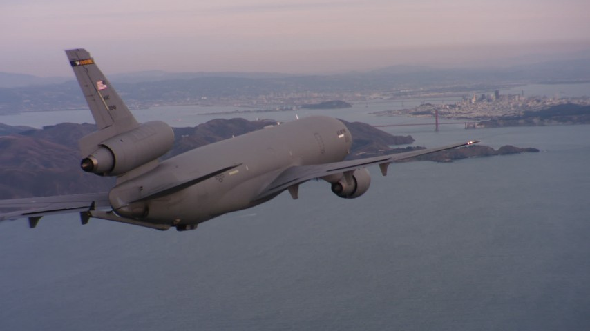 4K stock footage aerial video of a McDonnell Douglas KC-10 approaching San Francisco, California at sunset Aerial Stock Footage | WAAF03_C058_0118S0