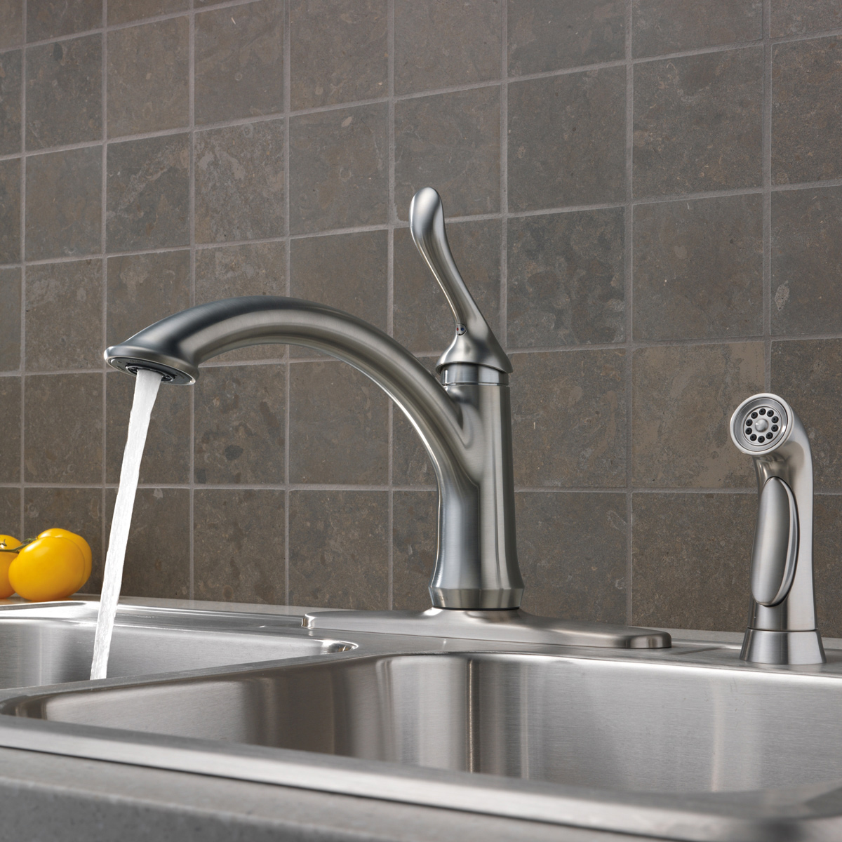 Superbe Delta 4453 RB DST Linden Kitchen Faucet With Side Spray And Optional Base  Plate
