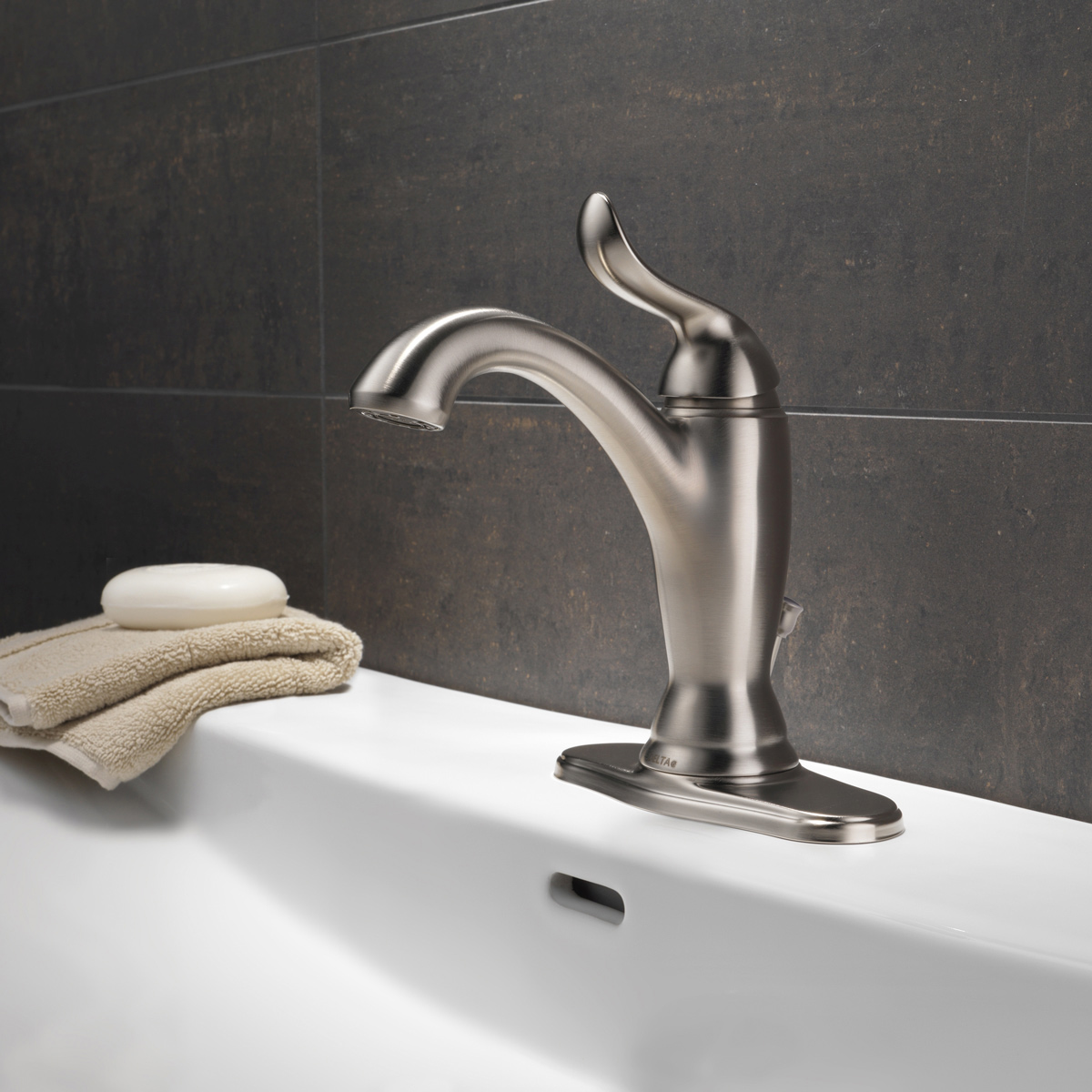 Delta linden single hole faucet