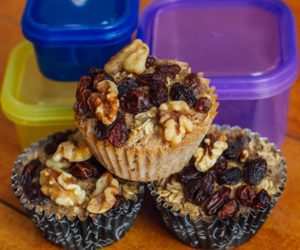 Baked Oatmeal Cups with Raisins and Walnuts | The Beachbody Blog