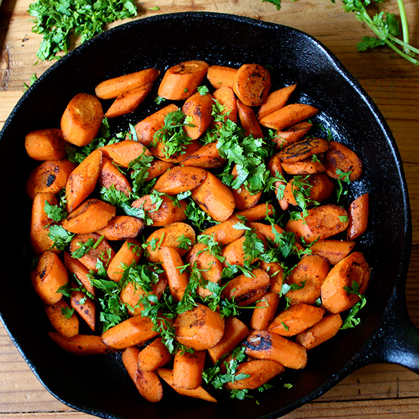 Vegetable and side dish recipes the beachbody blog caramelized carrots with curry spice forumfinder Image collections