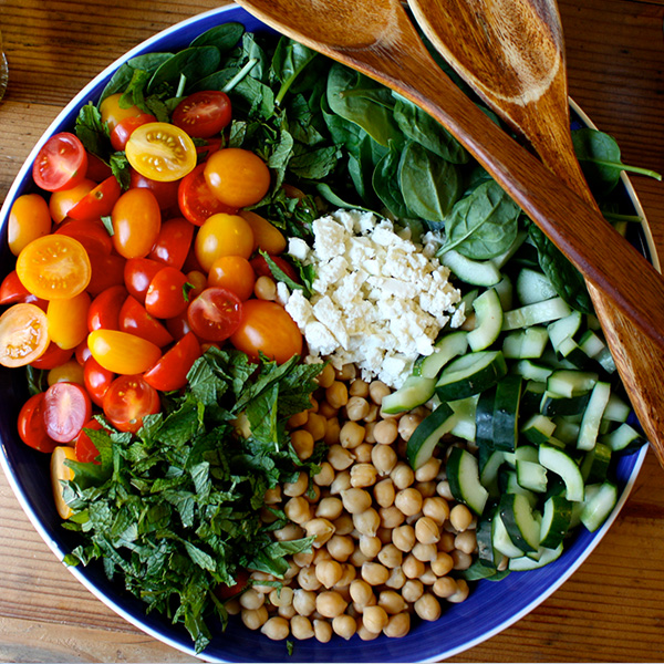 Spinach Salad With Quinoa Chickpeas And Paprika Dressing