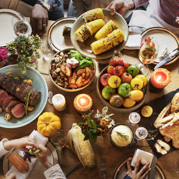 10 Tips to Survive Thanksgiving Dinner Without Gaining Weight