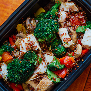 Chicken Power Bowl, Tofu Stir-Fry, and More Meal Prep Ideas for the 21 Day Fix 1500-1800 Calorie Level | BeachbodyBlog.com