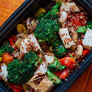 Chicken Power Bowl, Tofu Stir-Fry, and More Meal Prep Ideas for the 21 Day Fix 1500-1800 Calorie Level | BeachbodyBlog.com