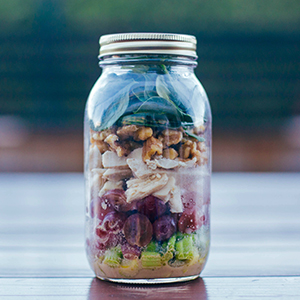 Mustard Chicken and Spinach Salad in a Mason Jar | BeachbodyBlog.com