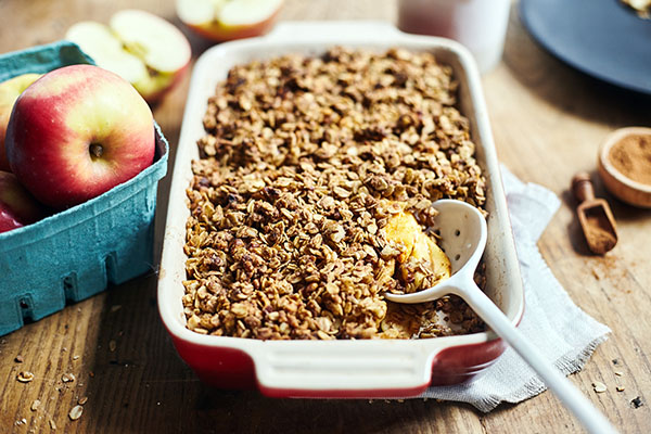 Apple crisp in a pan