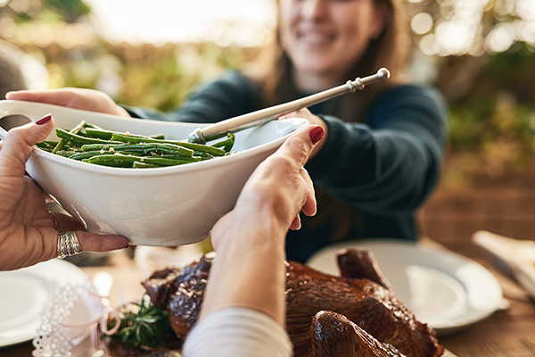 How to avoid holiday weight gain - eat healthy portions
