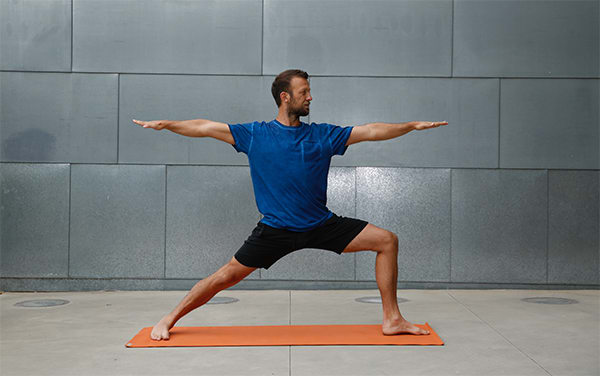 4-Yoga-Poses-for-Amazing-Arms-War2