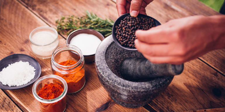 6 Healthy Spices that Amp Up Flavor (not Calories)