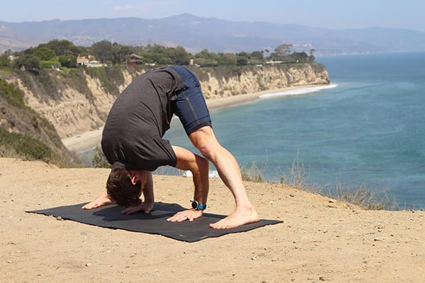 6-Yoga-Poses-For-Strong-and-Lean-Legs-ForFold
