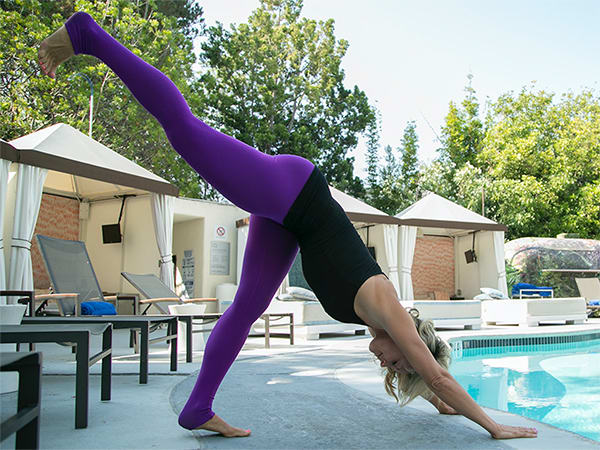 6-Yoga-Poses-For-a-Better-Butt-DownDogHighLeg