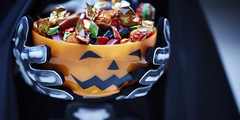 8 Things Only Old-School Trick or Treaters Understand
