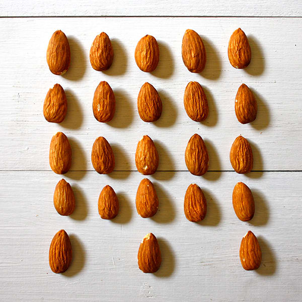 How many almonds in an ounce