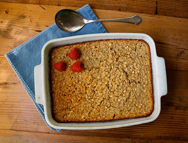 Baked Vanilla Oatmeal with Nutmeg