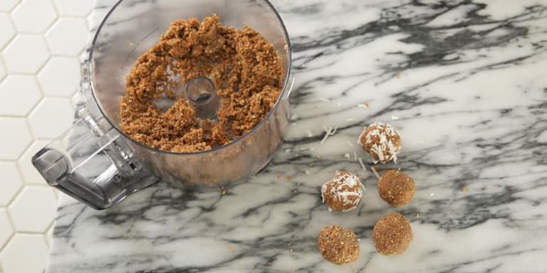 Carrot Cake Energy Balls Recipe | BeachbodyBlog.com