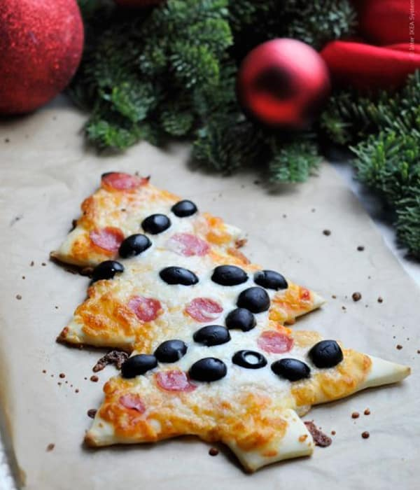Christmas Tree Pizza with Olives