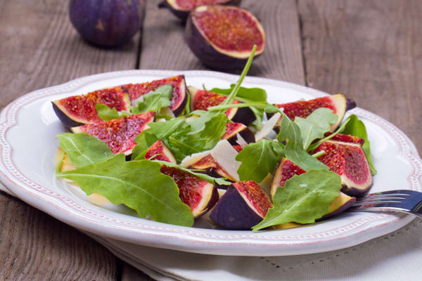Fig Salad with Honey-Lemon Dressing | BeachbodyBlog.com