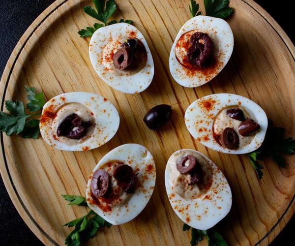 Hummus-Filled Eggs Recipe | BeachbodyBlog.com