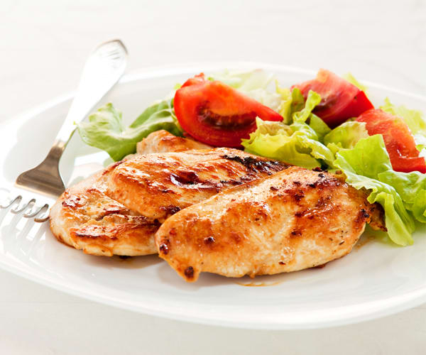 13 Flavorful Chicken Recipes Under 300 Calories | Beachbodyblog.com