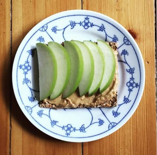 Meal prep snacks peanut butter and apple cracker