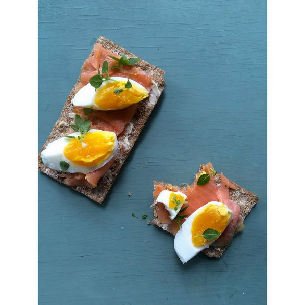 Meal prep snacks wasa crackers with salmon lox and hard-boiled eggs