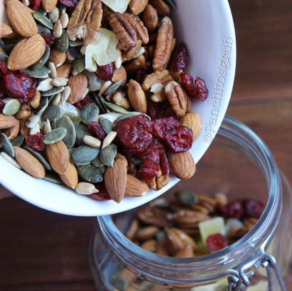 Meal prep snacks trail mix with cranberries, pumpkin seeds, almonds, and sunflower seeds