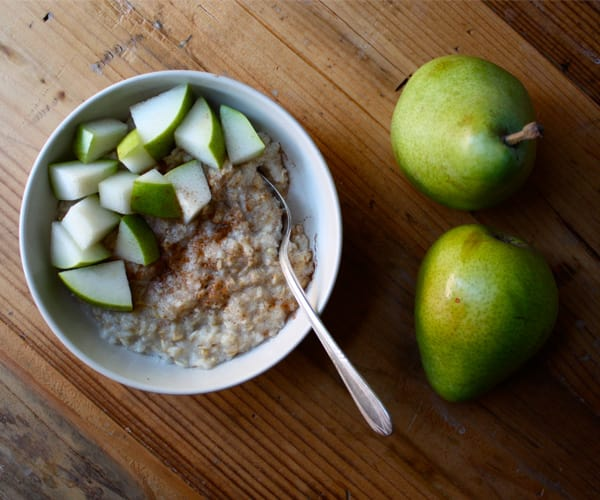 Oatmeal with Pears and Cinnamon | BeachbodyBlog.com