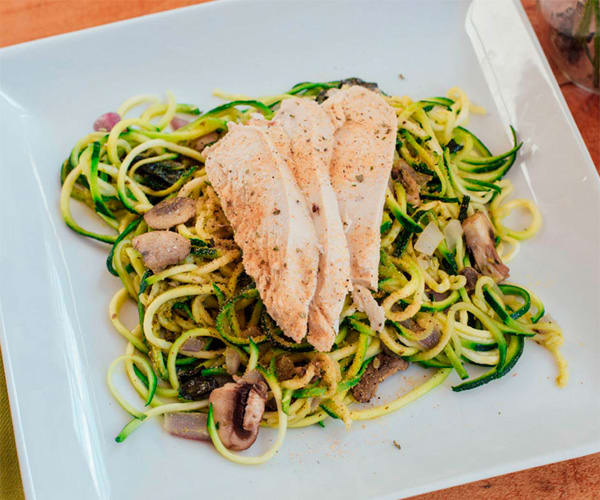 Pesto Zucchini Noodles with Chicken | BeachbodyBlog.com