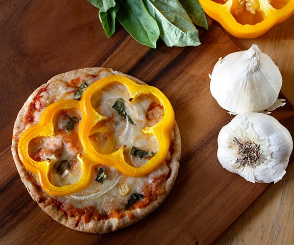Pita pizza with Yellow Bell Pepper and Onion | BeachbodyBlog.com