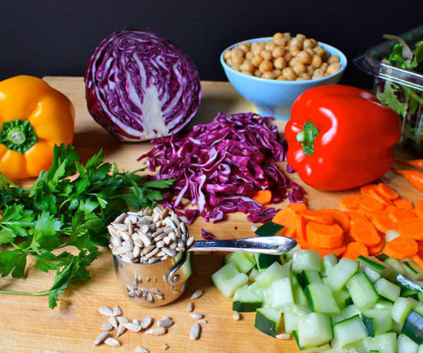 Rainbow Salad in a Mason Jar