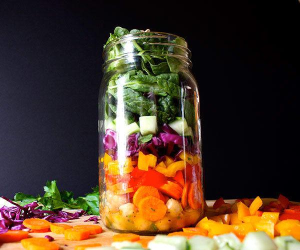Rainbow-Salad-in-a-Mason-Jar-Roundup