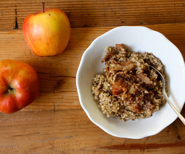 Slow Cooked Steel-Cut Oatmeal with Apples and Cinnamon | BeachbodyBlog.com