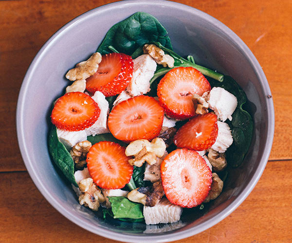 2B Lunch Recipes - spinach salad with strawberries
