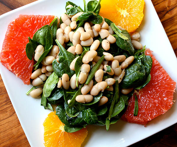 Spinach and White Bean Salad with Orange and Grapefruit | BeachbodyBlog.com