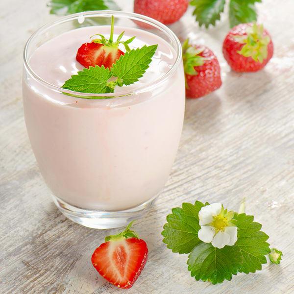 Strawberry Panna Cotta | BeachbodyBlog.com