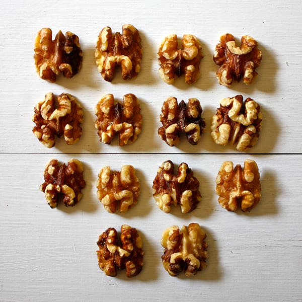 How many walnuts in an ounce