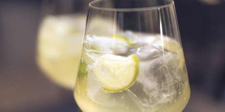 How to Make a Lime Ginger Cocktail | The Beachbody Blog