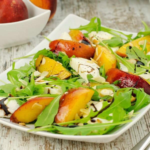 Arugula Salad with Peaches and Mozzarella | BeachbodyBlog.com