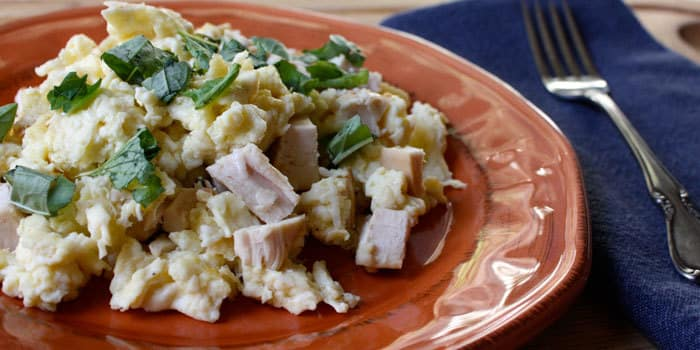 Egg White Scramble With Chicken Recipe The Beachbody Blog
