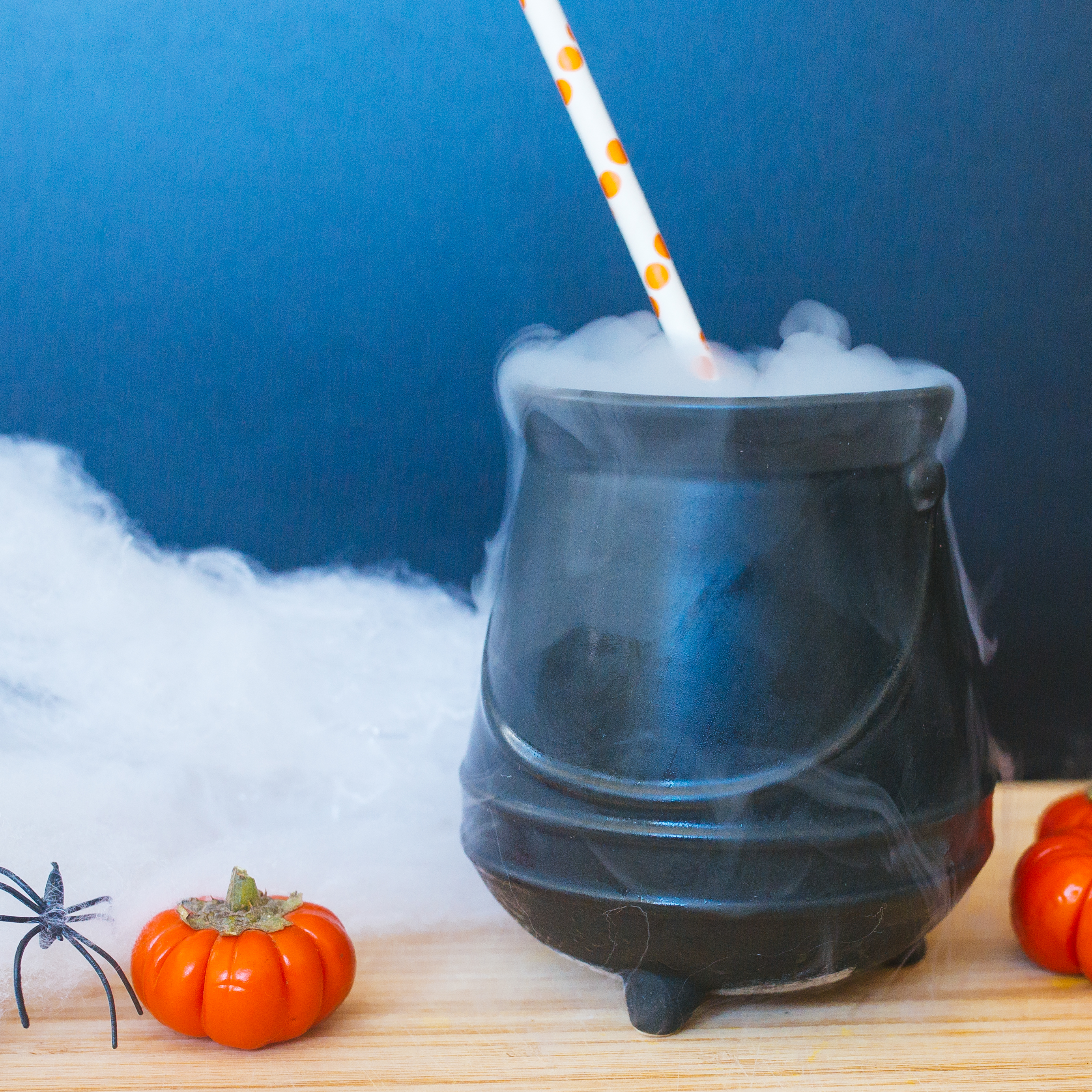 Looking for spook-tacular Halloween drinks? Our Shakeology smoothies are getting in on the haunted holiday fun with ghoulish costumes of their own, like this witches' brew smoothie.