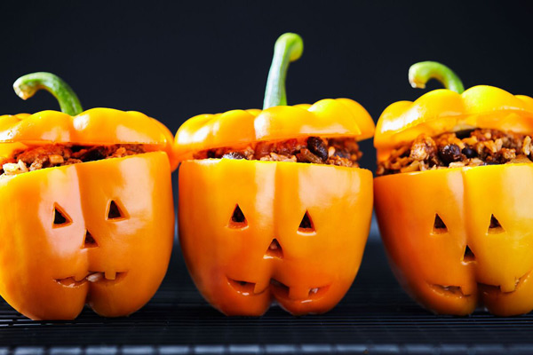 Double Time Family Recipes, kid-friendly recipe for jack-o'-lantern stuffed bell peppers