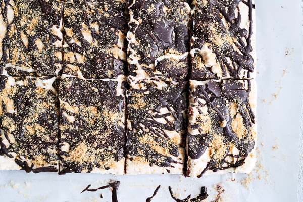 Made with real graham crackers, these toasty No-Bake S'mores Bars are satisfying Shakeology treats that taste like they just came off the campfire.