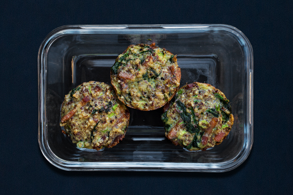 Pre-workout meals for 80 Day Obsession, pre-workout nutrition, pre-workout snacks, spinach and bacon quinoa muffins