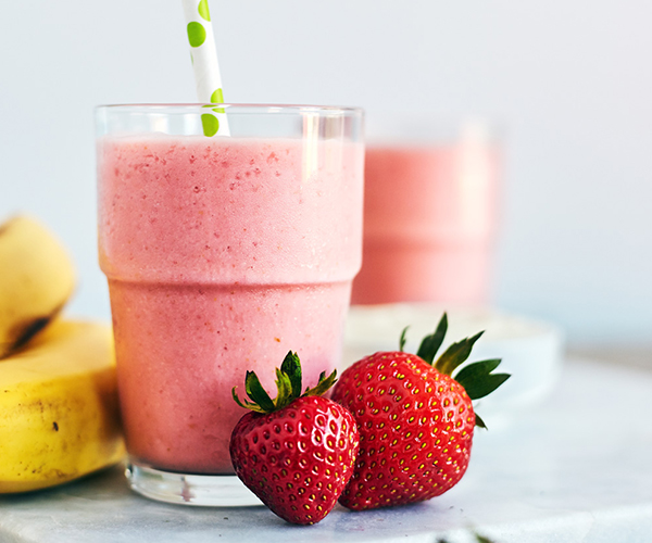 Greek Strawberry Banana SHakeology breakfast smoothie recipe