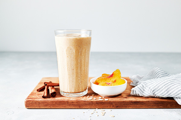 Satisfy your sweet tooth without the sugar rush with this Peach Cobbler Shakeologoy featuring fresh ripe peaches and old-fashioned rolled oats.