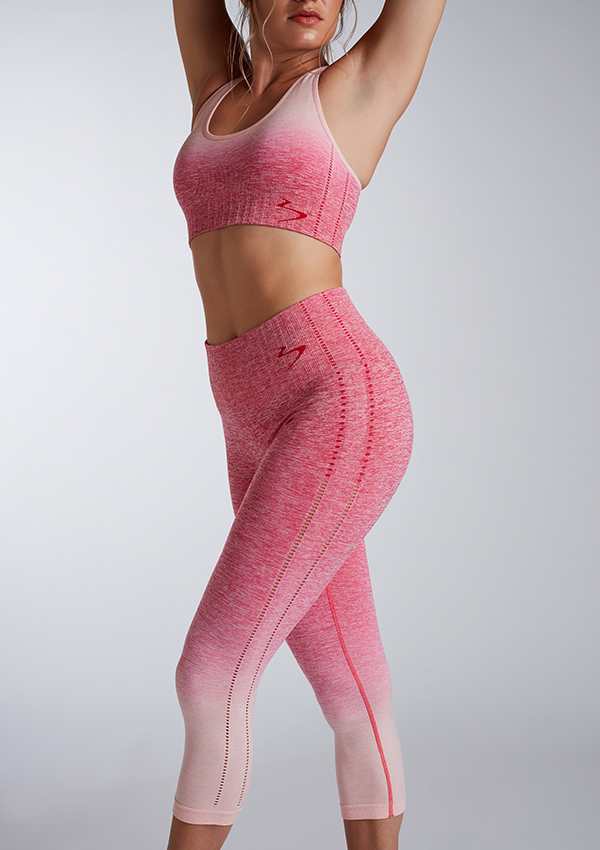 Ombre sports bra, crop leggings