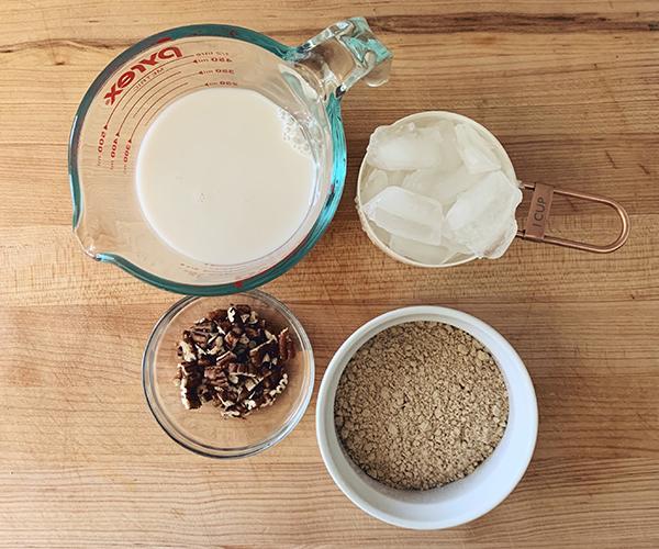 Salted Caramel Pecan Praline Shakeology smoothie ingredients